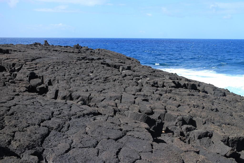 想像一下這些地方曾經都是軟軟的岩漿,在海上漂浮