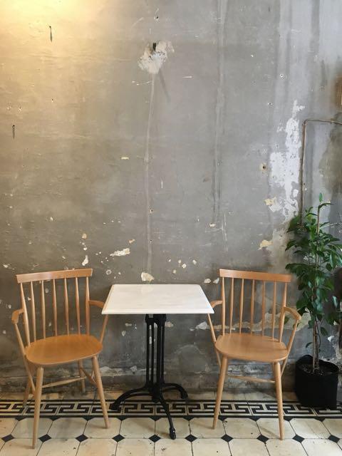 希臘雅典咖啡店推薦:Philos桌椅