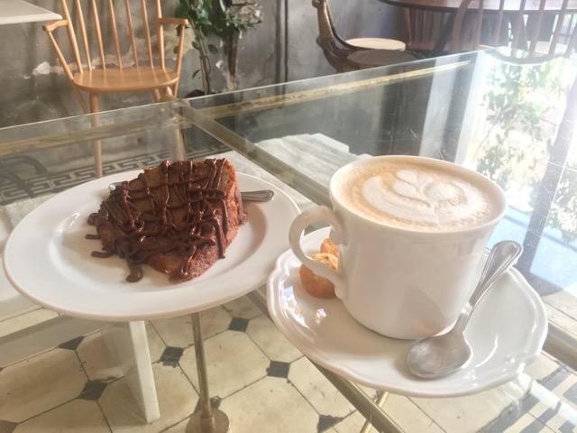 希臘雅典咖啡店推薦:Philos贈送蛋糕
