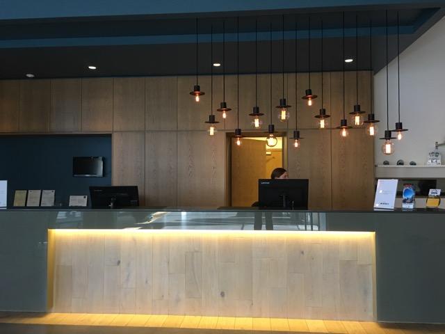 冰島環島自駕行程Day1:Icelandair Hotel Vik接待櫃檯