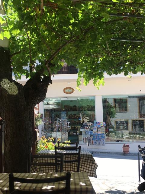 希臘天空之城Meteora住宿推薦 Montanema Handmade Village天空之城餐廳推薦Taverna Gardenia