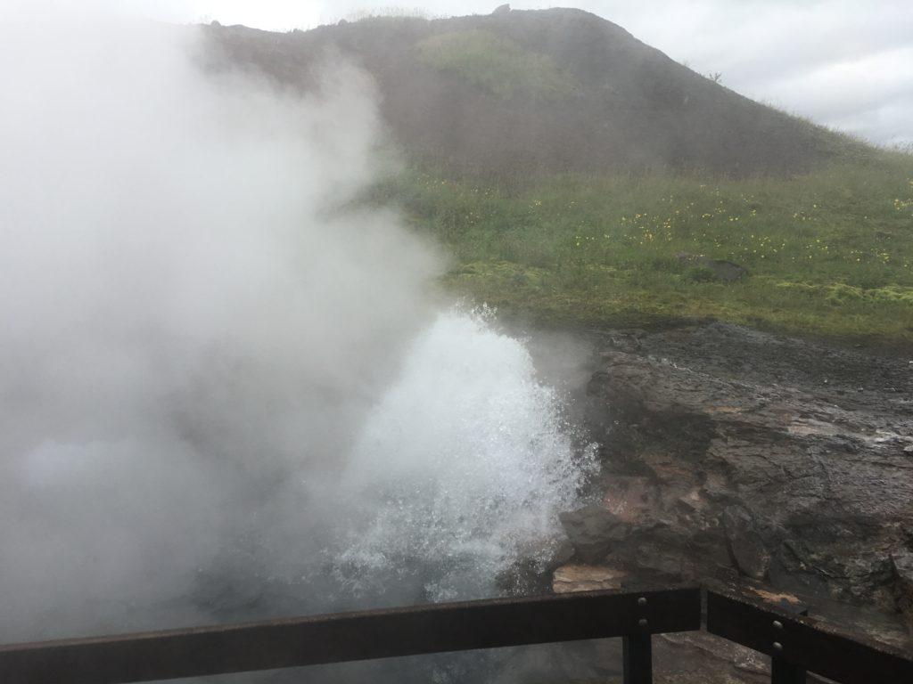 冰島環島自駕環島攻略西部Deildartunguhver小地熱噴泉區