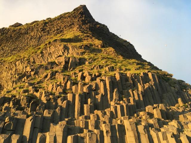冰島環島自駕行程Day1:Vik黑沙灘玄武岩