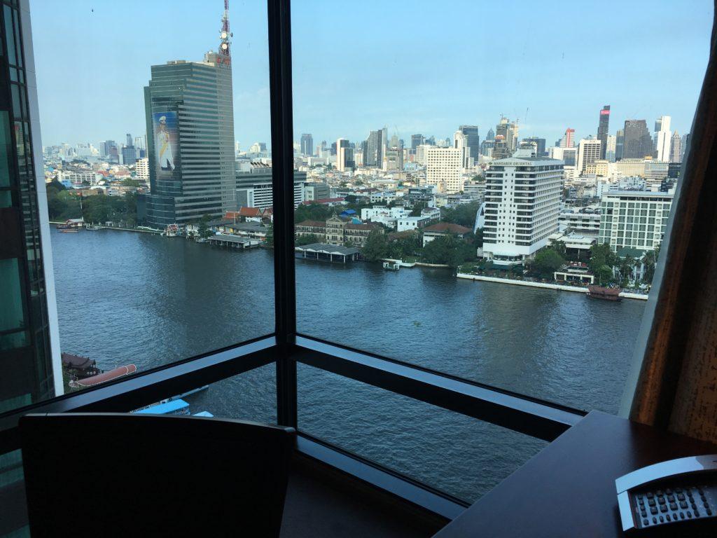 半島酒店Peninsula Bangkok客房辦公區