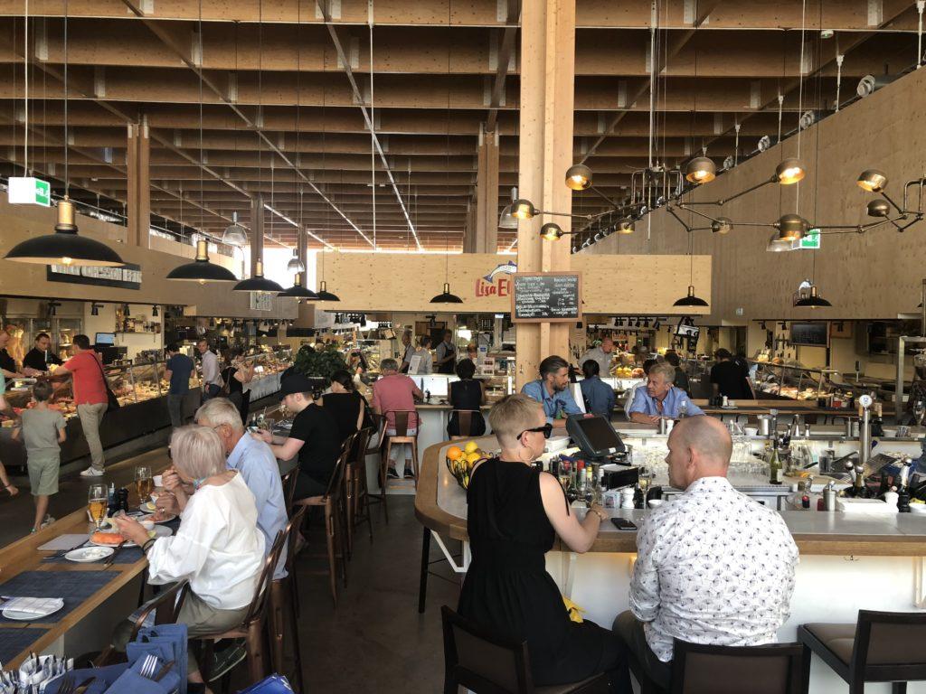瑞典斯德哥爾摩食記:Saluhall餐廳內部